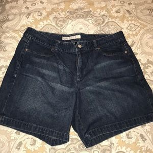 Old navy woman's shorts